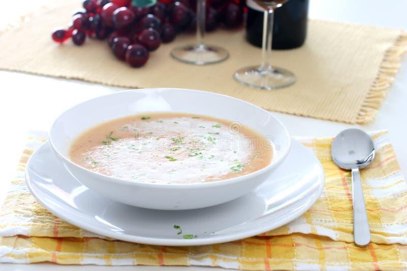 Sopa Poner Crema Foto De Archivo Gratis