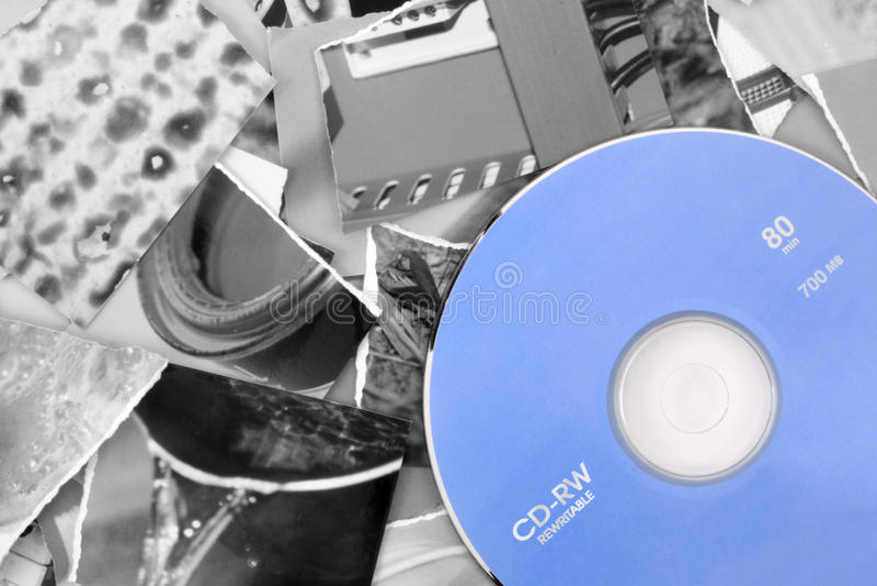 Ponga sus imágenes en CD foto de archivo libre de regalías