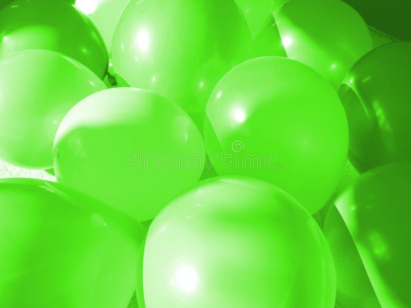 Ponga verde los globos imágenes de archivo libres de regalías