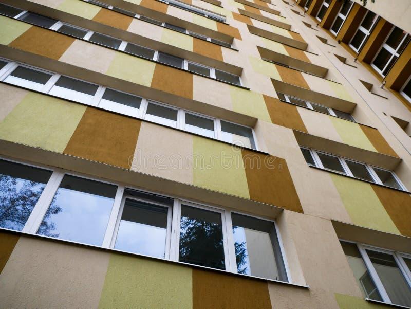 Ponowni nowożytni basztowi budynków mieszkania obraz stock