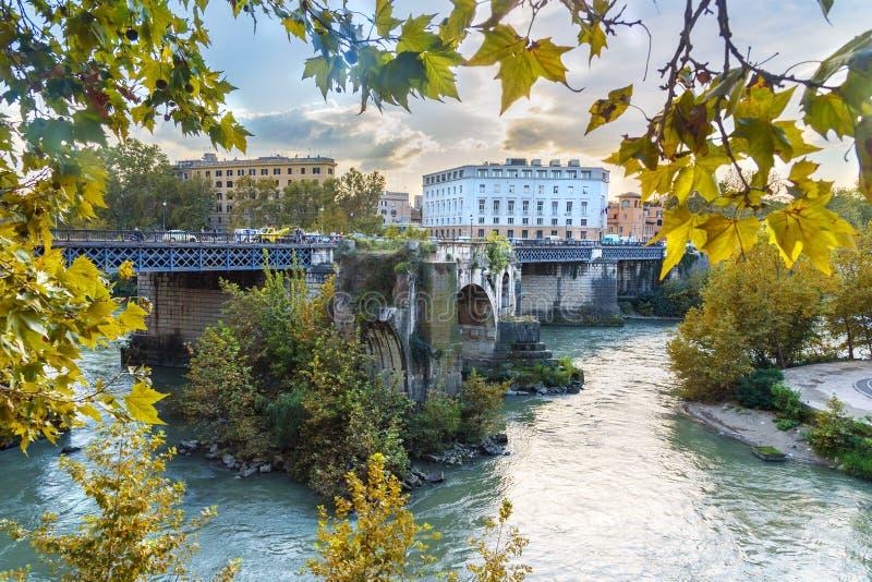Pons Aemilius oder Ponte Rotto, ist die älteste römische Steinbrücke rom Italien stockbild