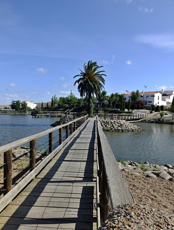 Pont à l'étang de pêche de La Coronada, Badajoz - Espagne images libres de droits