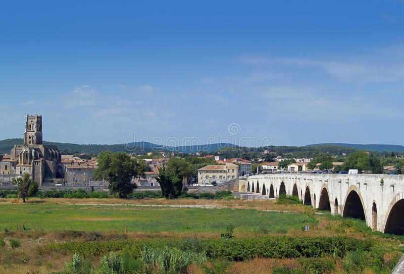 Pont - Święty - Esprit, Gard, Francja obraz royalty free