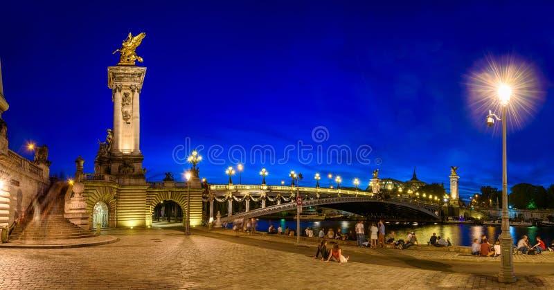 Pont Alexandre III Aleksander trzeci most nad rzecznym wontonem w Paryż obraz stock