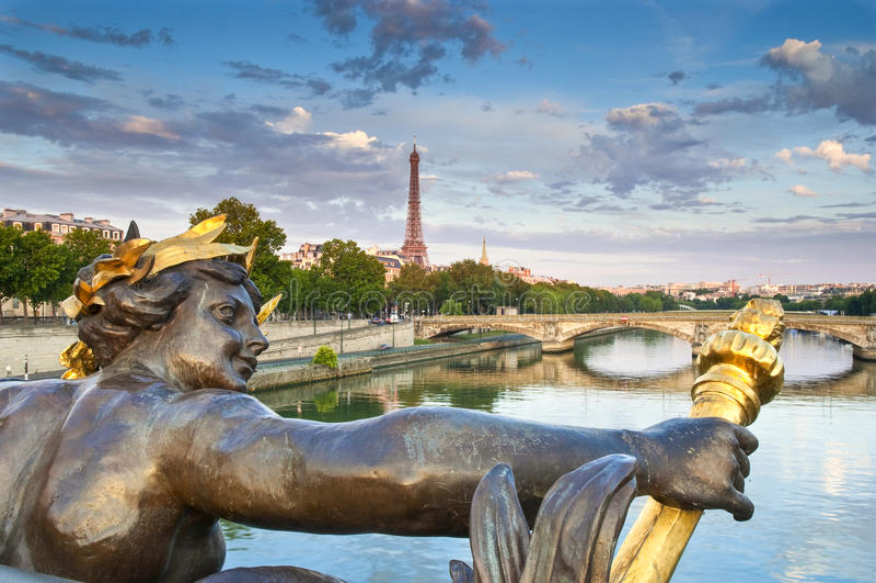 Pont Alexandre III u. Eiffelturm, Paris lizenzfreies stockbild
