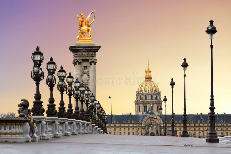 Pont Alexandre III zonsopgang stock afbeelding