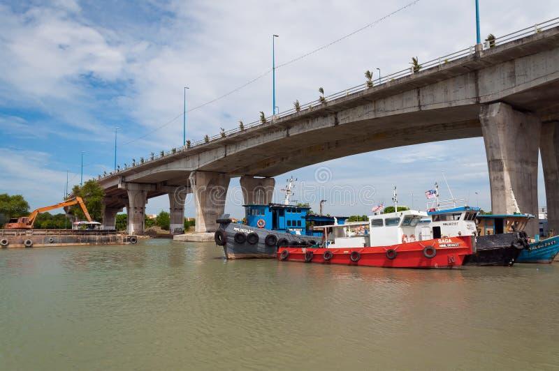 Pont au-dessus de la rivière du Malacca photographie stock libre de droits