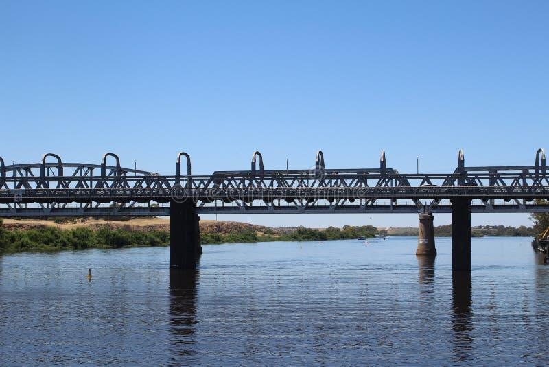 Pont au-dessus du fleuve Murray en Murray Bridge, Australie du sud photo stock