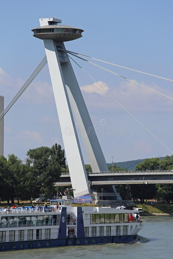 Pont Bratislava de SNP image stock