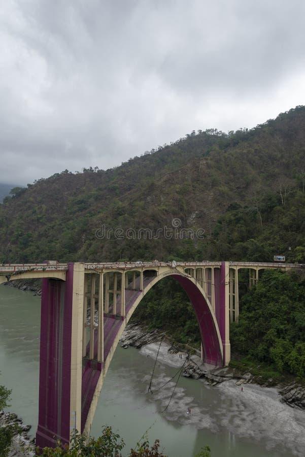 Pont célèbre de couronnement près de Siliguri, le Bengale-Occidental, Inde image stock