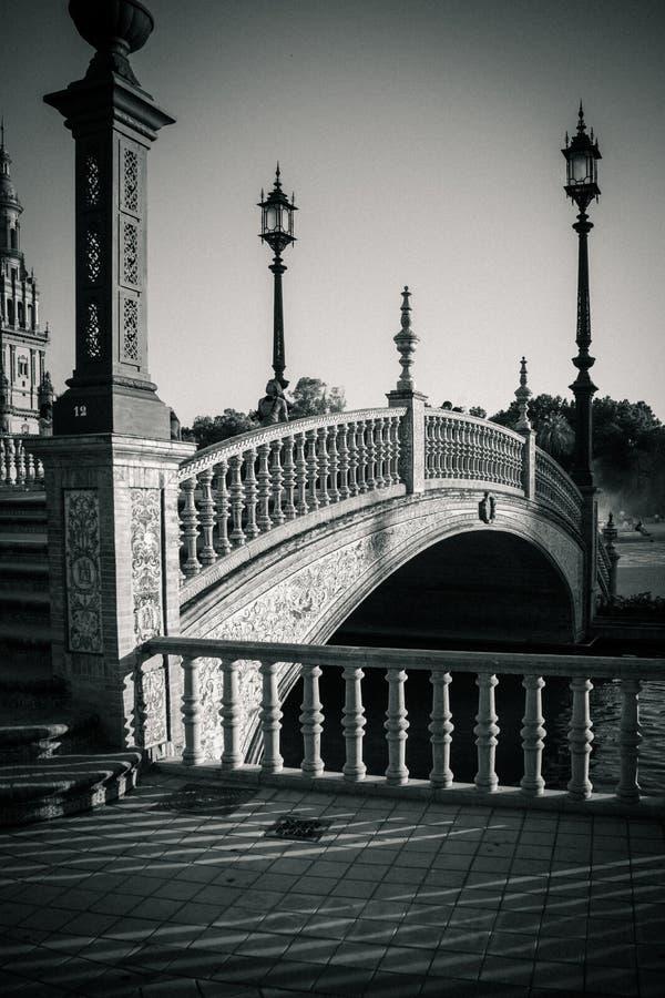 Pont chez Plaza de Espana en Séville, Espagne, l'Europe photographie stock