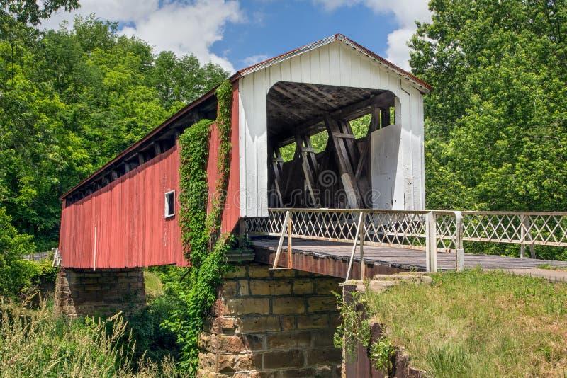 Pont couvert de collines historiques images libres de droits