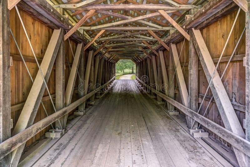 Pont couvert intérieur de Foraker images stock