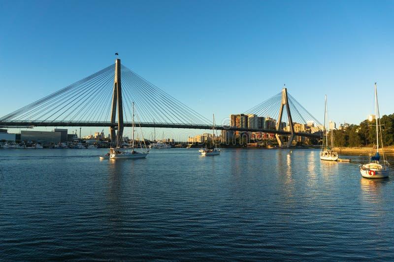 Pont d'ANZAC et paysage urbain de Sydney CBD photos libres de droits