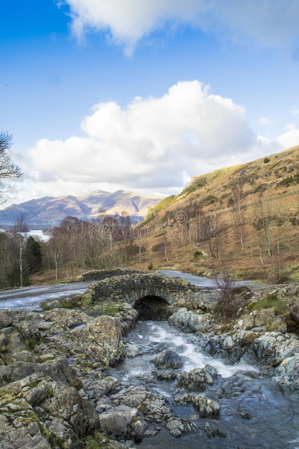 Pont d'Ashness, Buttermere, secteur de lac images stock