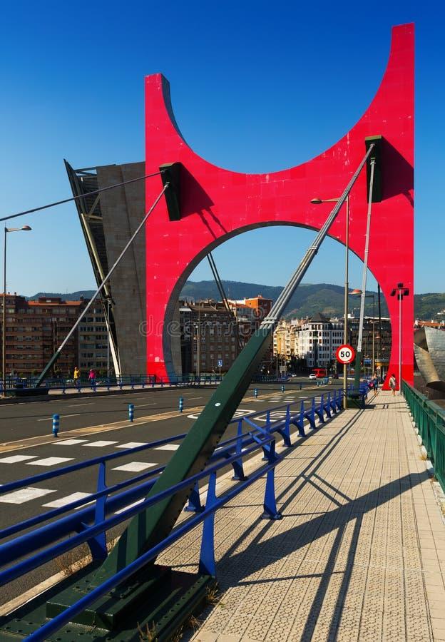Pont d'onguent de La dans le jour ensoleillé Bilbao, Espagne image stock