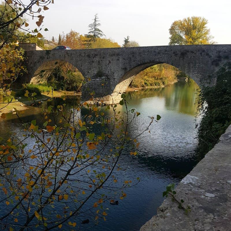 Pont dans Sauve photographie stock libre de droits