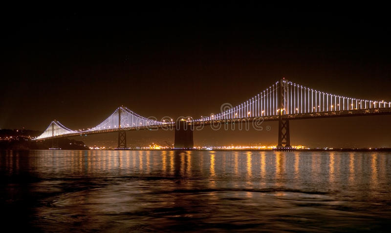 Pont de baie avec des lumières de baie dessus photos libres de droits