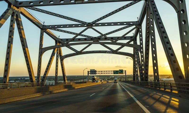Pont de Baton Rouge au-dessus du fleuve Mississippi photo libre de droits