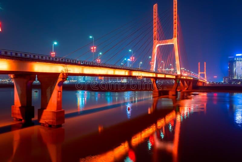 Pont de Bayi - le premier câble-est resté le pont dans la province de Jiangxi photographie stock libre de droits