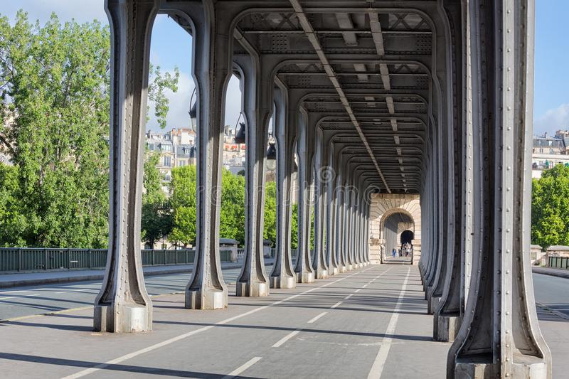 Pont de BIR-Hakeim photos stock