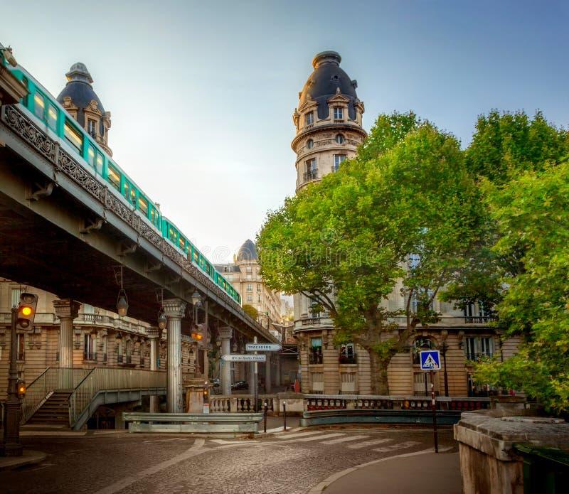 Pont de Bir-Hakeim fotografía de archivo libre de regalías