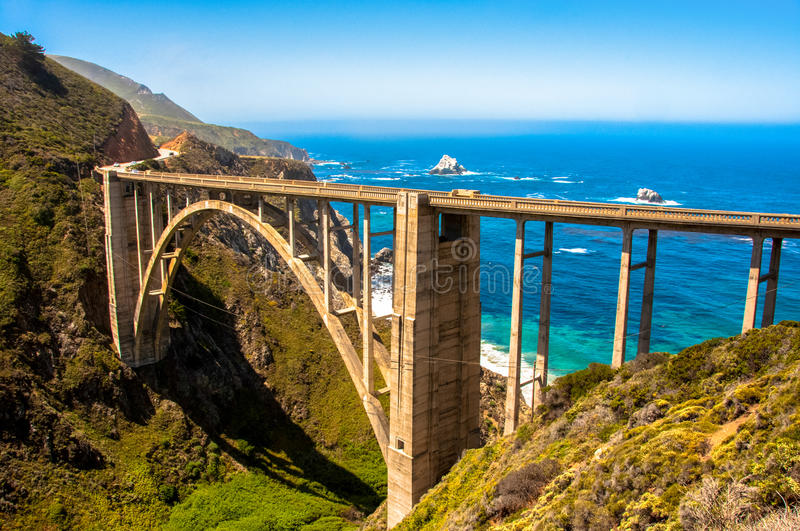 Pont de Bixby, route 1 Big Sur - Californie Etats-Unis photographie stock
