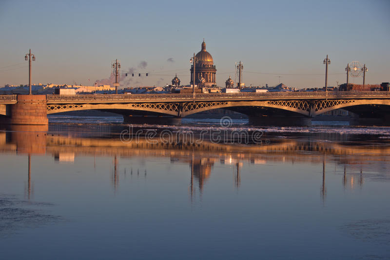 Pont de Blagoveshchensky, St Petersburg, Russie photographie stock