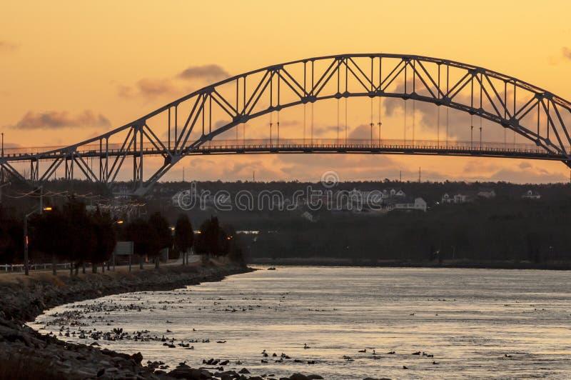 Pont de Bourne de lever de soleil d'hiver images stock