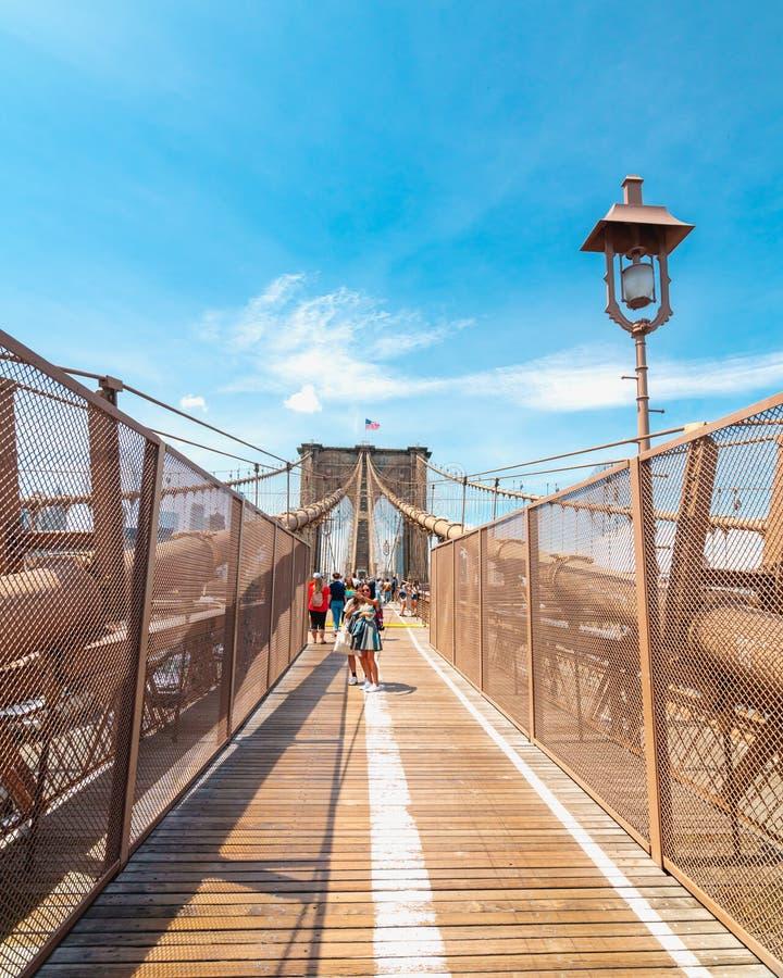 Pont de Brooklyn à New York City, ligne piétonnière image libre de droits