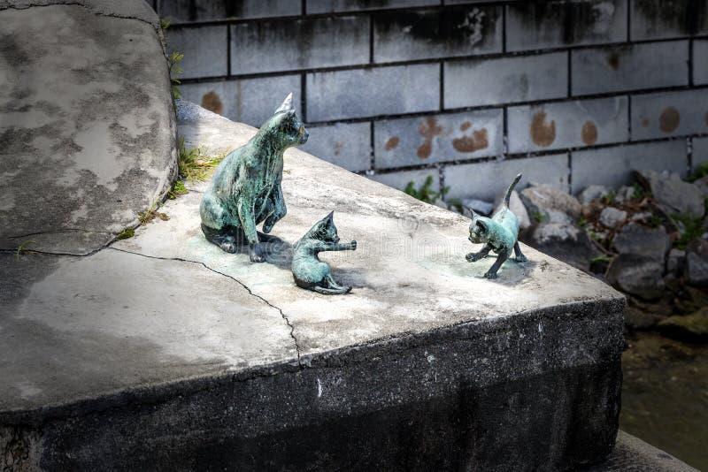Pont de Cavenagh, sculpture en bronze en chats, Singapour, du sud-est As photographie stock