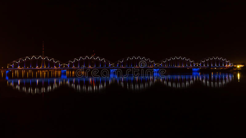 Pont de chemin de fer de Riga photo stock