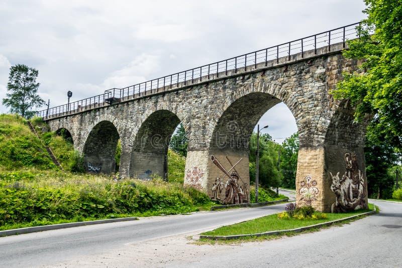 Pont de chemin de fer arqué par cru photos libres de droits