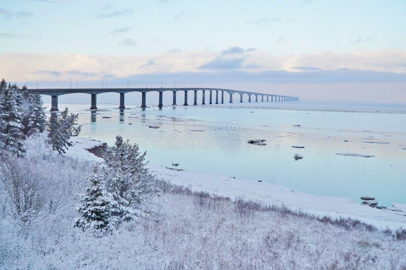 Pont de confédération en hiver photo stock
