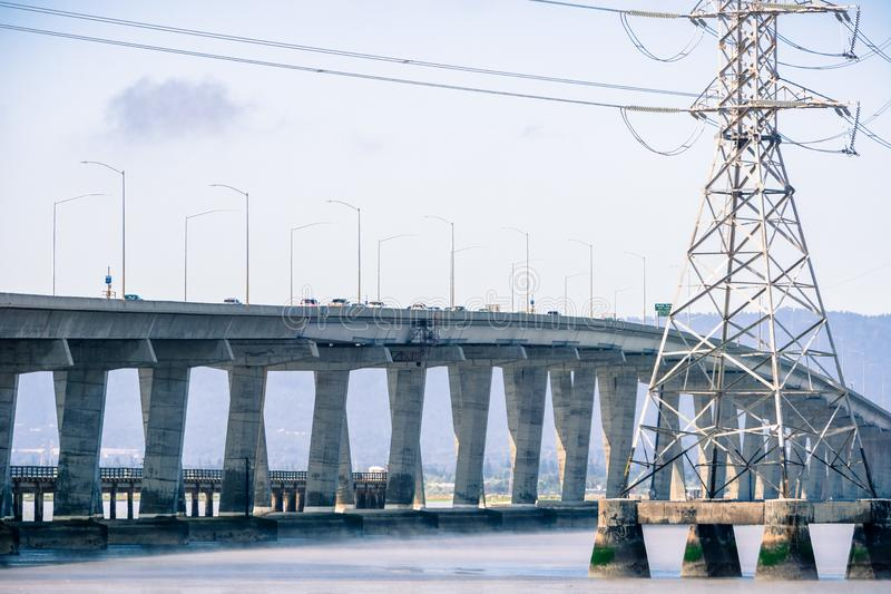 Pont de Dumbarton reliant Fremont région à Menlo Park, San Francisco Bay, la Californie photos libres de droits