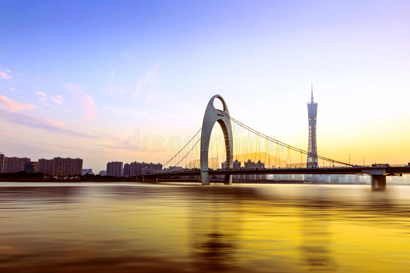 Pont de Guangzhou au crépuscule photos libres de droits