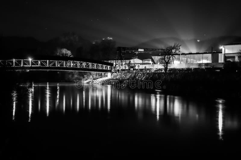 Pont de Hammerau la nuit, Bavière photos stock