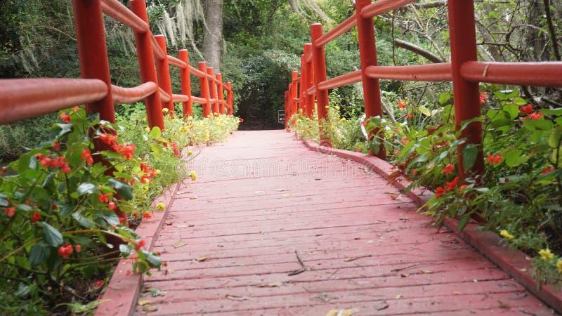 Pont de jardins de magnolia image libre de droits