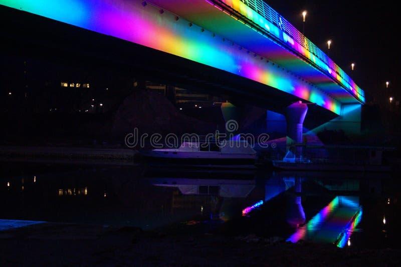 Pont de Jedlik Anyos dans Gyor photographie stock libre de droits
