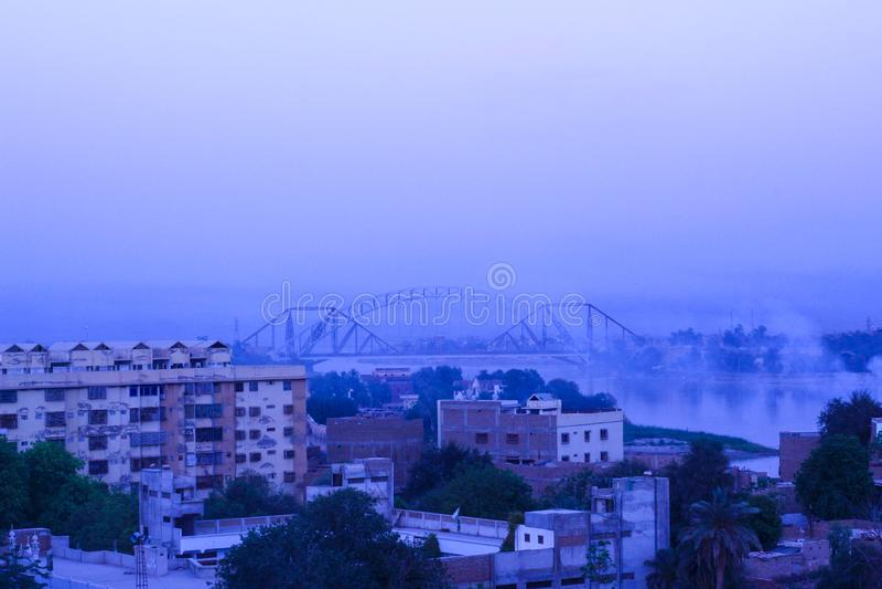 Pont de Lansdown dans la ville de Sukkur, Pakistan photos libres de droits