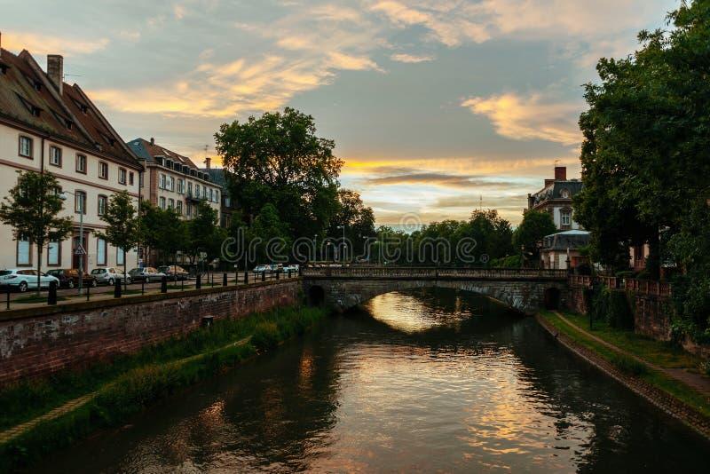 Download Pont De Losu Angeles Poczta Przy Sunet W Strasburg Obraz Stock - Obraz złożonej z panorama, architektury: 106920263