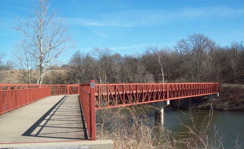 Pont de marche au-dessus de la rivière Cumberland 2 image libre de droits