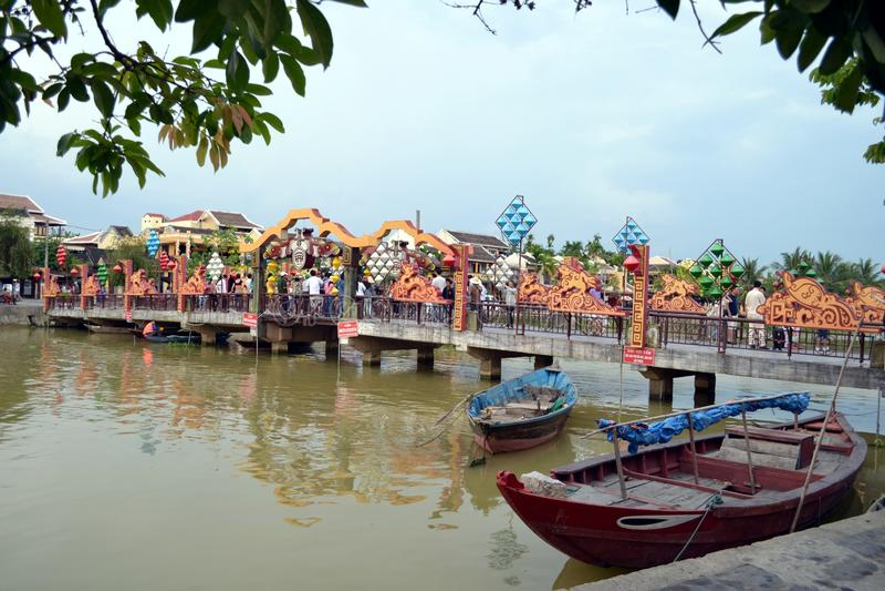 Pont de marche de Hoi An photo stock