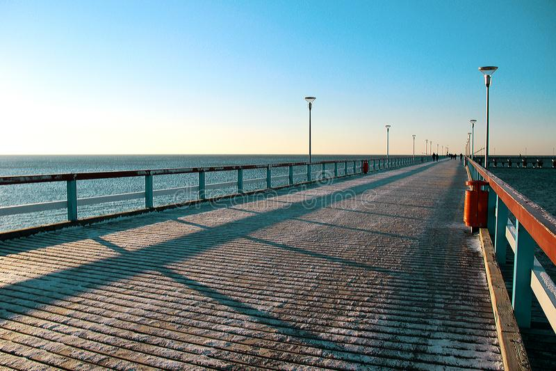 Pont de mer d'hiver geometry neige photos stock