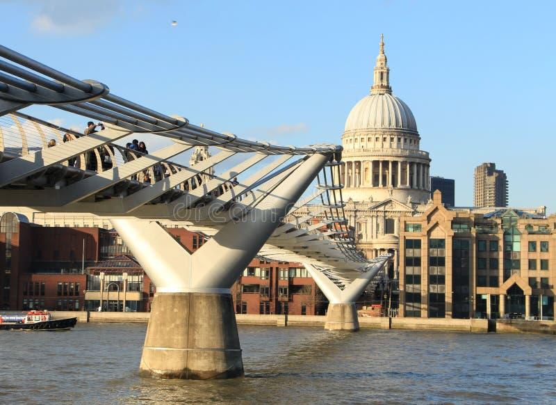 Pont de millénaire à Londres, R-U images libres de droits