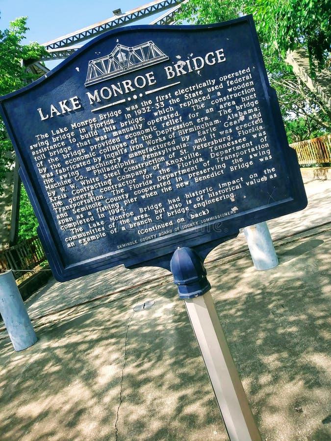 Pont de Monroe de lac photographie stock libre de droits
