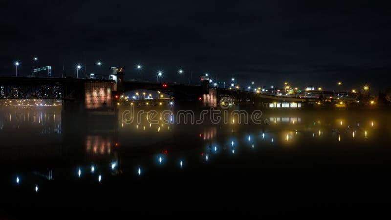 Pont de Morrison, Portland, Orégon, Etats-Unis photographie stock libre de droits