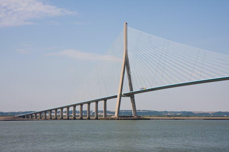 Pont de Normandie au-dessus de fleuve Seine images stock
