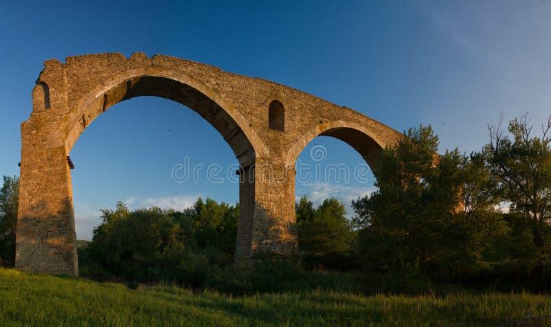 Pont de Novokavkazsky au-dessus de la rivière Egorlyk images libres de droits