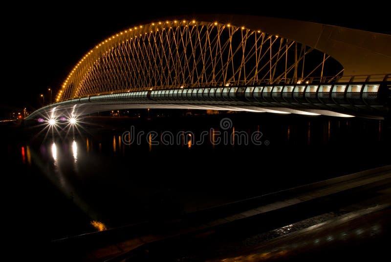 Pont de nuit dans la République Tchèque de Prague images libres de droits
